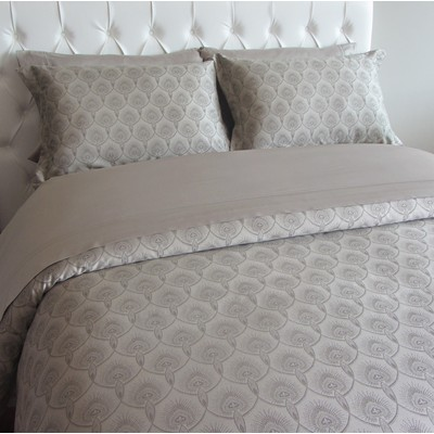 Viana King Duvet Cover Set By Glen Peloso