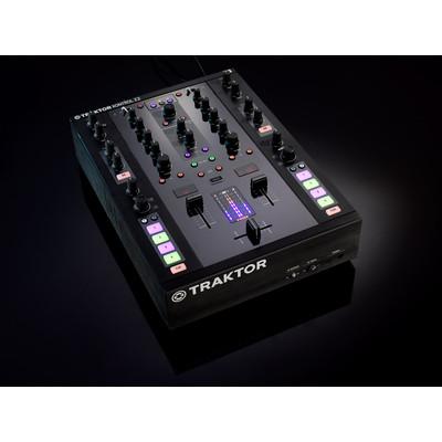 Controller DJ Native Instruments Traktor Kontrol Z2 - Native Instruments - 22210