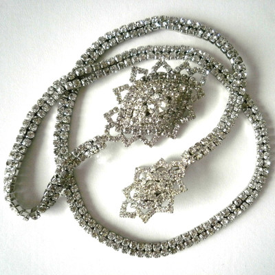 Marquis Shape Long Chain Brooch - Silver + FREE Gift