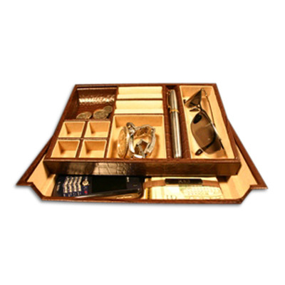 Fine and Sturdy Handsome Brown Grain Leather Open Dresser Valet for Men