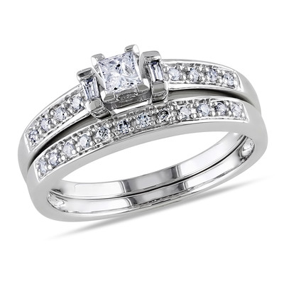 Amour Collection 10K White Gold Diamond Bridal Set Ring (.3 Cttw, G-H Color, I2-I3 Clarity)