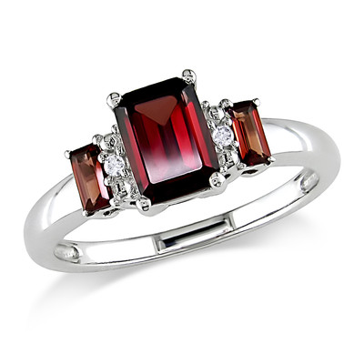 Amour Collection 10K White Gold Garnet and Diamond Ring (.02 Cttw, G-H Color, I1-I2 Clarity)