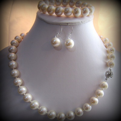 11-12mm White Color Fresh Water Pearls Set