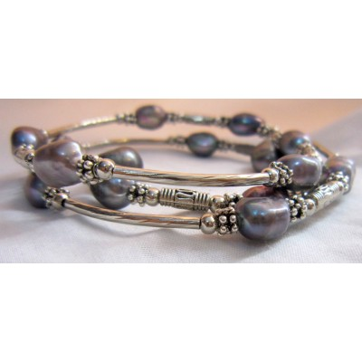 Fresh Pearl Bracelet With Metal (3 Wraps, grey Color)