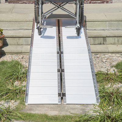8' Foldable Aluminum Alloy Mobility Wheelchair Ramp