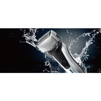 Panasonic ES-RF31-S Men's 4-Blade Arc 4 Wet/Dry Rechargeable Electric Shaver with Nanotech Blades